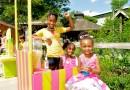 Pink Lemonade Stand Supports Young Girl Entrepreneurs! @Pink_lemongirl