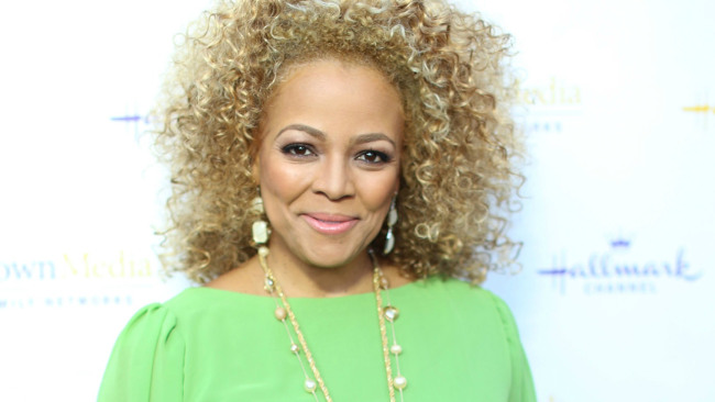 kim fields how tall